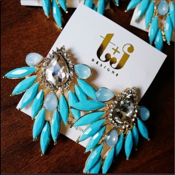 T&J Designs Jewelry - New Blue Feather Design Statement Earrings